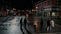 4x22 Storybrooke grande rue Robin (Storybrooke) Regina Mills Emma Swan Killian Jones David Nolan Mary Margaret Blanchard recherche ténèbres