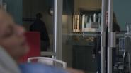 1x19 Emma Swan porte R2-42 Kathryn Nolan hôpital de Storybrooke