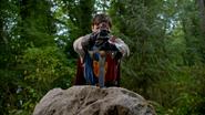 5x01 Roi Arthur Excalibur pierre rocher 3