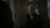 5x02 Maison Swan Emma Regina colère statut Sauveuse