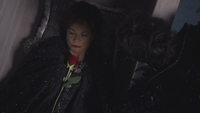 2x09 fleur rose rouge Cora Méchante Reine Regina mort deuil