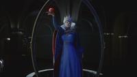 Méchante Reine Disney Descendants miroir magique pomme empoisonnée statue