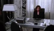 Shot 2x15 Cora Büro
