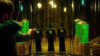 4x17 Palais Cité d'Émeraude Robin de Locksley des Bois arc magique Zelena Méchante Sorcière de l'Ouest dédoublement détriplement clonage
