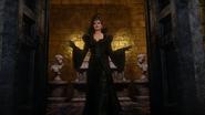 Reine Regina mariage incruste 3x21