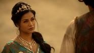 6x05 Jasmine princesse couronne bijoux Aladdin dos désert dune