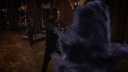 7x21 Henry épée choc téléportation Regina Roni palais Uchronie cage fumée violette
