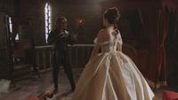2x16 Rumplestiltskin Cora robe jeune mariée fiancée révision modification altération termes conditions contrat