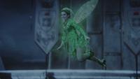 3x03 Fée Clochette petite taille ailes vol baguette magique sourire seconde chance