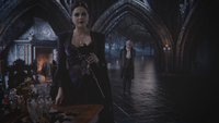 5x12 Méchante Reine Regina Henry Sr rose noire Sept Nains agacement dégoût chambre royale palais sombre