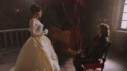 2x16 Cora robe jeune mariée fiancée Rumplestiltskin assis chaise