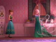 Frozen Fever La Reine des Neiges Une Fête Givrée promo 1 Anna Elsa