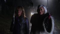 4x12 Ursula Cruella d'Enfer lisière bois Storybrooke nuit voiture pluie avertissement
