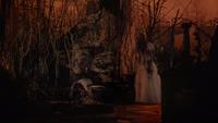 7x19 Gothel pleurs Flora mort destruction