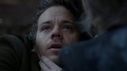 3x15 Neal Cassidy Baelfire dernier souffle mort yeux rivés pleurs larmes forêt de Storybrooke