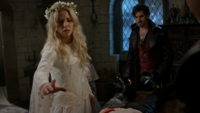 5x02 Emma Swan robe blanche magie Robin Killian Jones