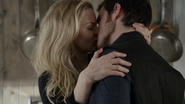 6x18 Emma Swan Killian Jones baiser mains