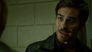 6x12 Killian Jones explications aide