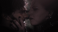 1x07 Chasseur respiration Reine Regina esclave
