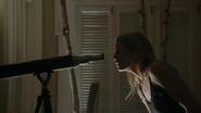 Shot 1x17 Emma Fernglas