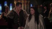 4x13 Prince David Blanche-Neige Cruella d'Enfer Maléfique Ursula discussion hésitation alliance Reines des Ténèbres