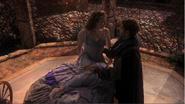 2x01 Aurore Prince Philippe réveil Belle au Bois Dormant palais détruit questions sommeil éternel refuge protection Maléfique