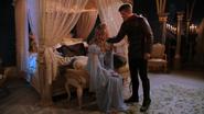 1x04 Prince Thomas Ella Cendrillon jure protéger bébé
