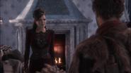 1x07 Reine Regina Chasseur arrivée palais sombre proposition marché