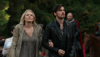 5x01 Emma Swan Killian Jones arrivée Camelot