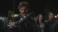 5x01 Killian Jones dague du Ténébreux Regina Mills Robin (Storybrooke) appel commande invocation sommation