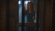 5x04 Merida cellule prison barreaux apparition
