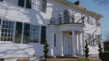 2x14 maison Mills 108 Mifflin Street
