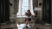 1x02 Regina Mills travail emploi bureau du maire de la mairie Storybrooke