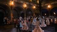 2x16 Cora Prince Henry invités masqué bal danse valse