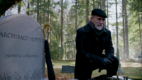 2x11 Marco tombe Archie Archibald Hopper tristesse