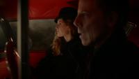 5x19 Hadès conduit Zelena voiture rouge musique