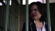 Shot 2x01 Regina Zelle