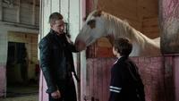 2x05 David Nolan Henry Mills cheval étalon