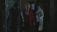 4x02 Leroy Granny Joyeux Mary Margaret Blanchard appartement maire Storybrooke blackout