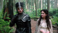 1x07 Chasseur garde noir Blanche-Neige forêt enchantée