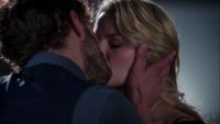 1x07 Graham Shérif embrasse Emma Swan