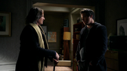 2x14 M. Gold retrouvailles Neal Cassidy fils Baelfire appartement de Neal excuses