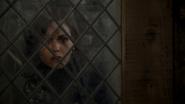 6x11 Regina Mills fenêtre taverne espoir tristesse réminiscence souvenir passé forêt de Sherwood