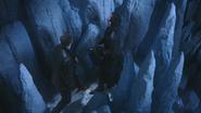 4x02 David Nolan Killian Jones Capitaine Crochet mur prison de glace entrée bloquée