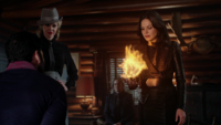 4x15 August Booth Maléfique (Storybrooke) M. Gold Regina Mills menace boule de feu