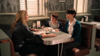 1x03 Café Mère-Grand Mary Margaret Emma Henry annonce réveil John Doe