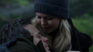 3x15 Emma Swan Neal Cassidy décès bras pleurs larmes forêt promesses
