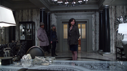 1x11 Sidney Glass Emma Swan Regina Mills vol bureau du maire mairie de Storybrooke
