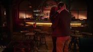 7x17 Kelly West Chad baiser Bar