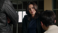 5x03 Regina Mills David Nolan Mary Margaret poste de plice livre illustration point d'interrogation couronne pourpre